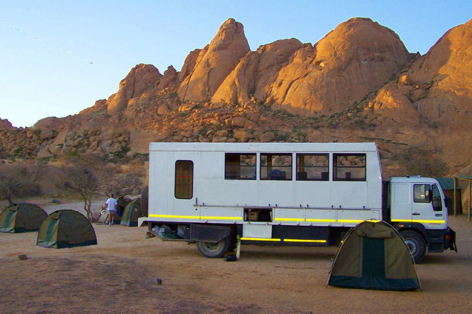 Spitzkoppe camping truck namibia