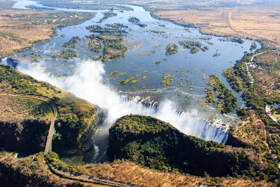 Victoria Falls  by dsopfe