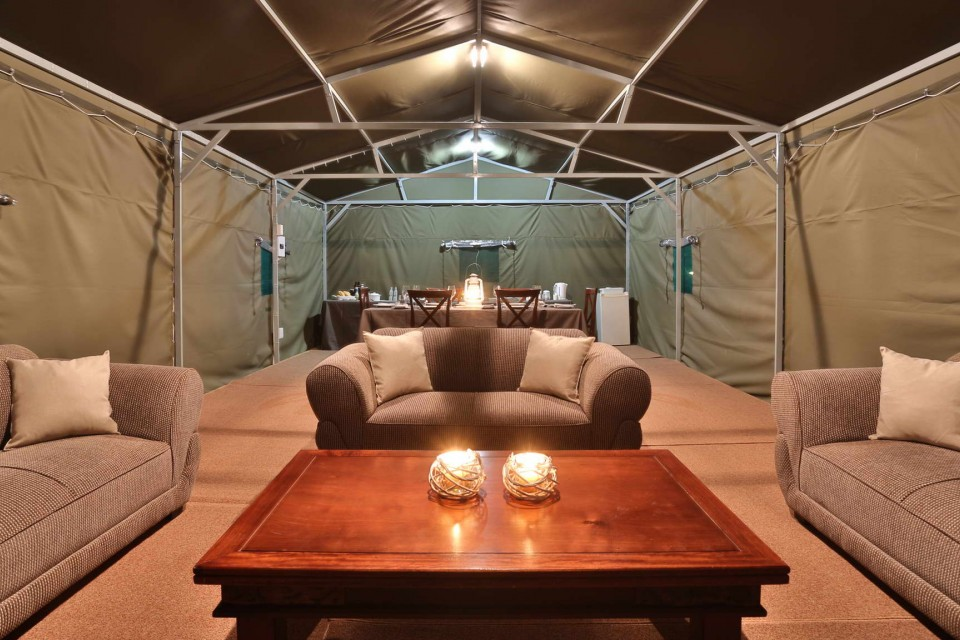 Lounge tent