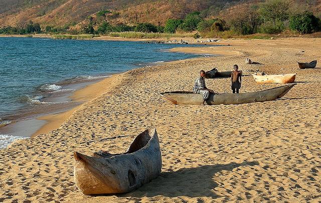 Malawi dugouts  by platours