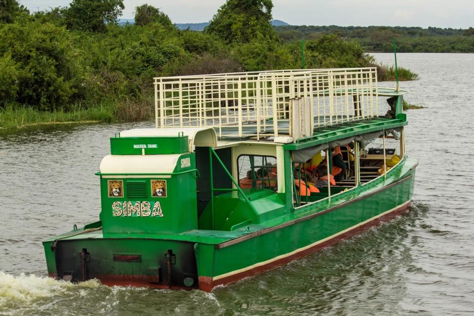 Boat-ride-queen