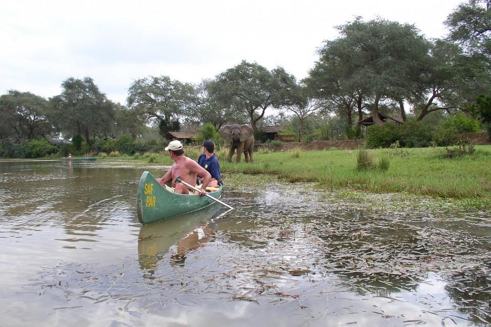 Zambia Lower Zambezi canoeing