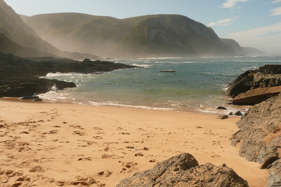 Garden Route beach  by Jauretsi