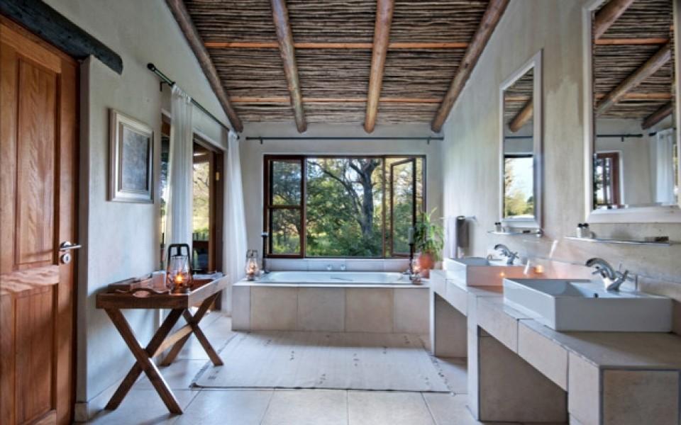 Bathroom-interior-960x600 c  large