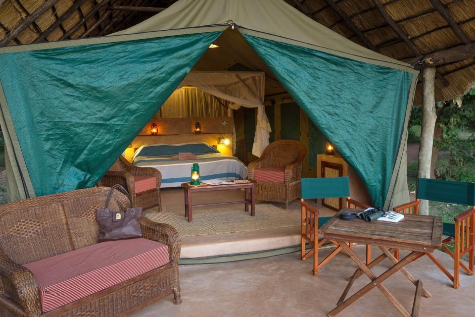 Luxury tent front