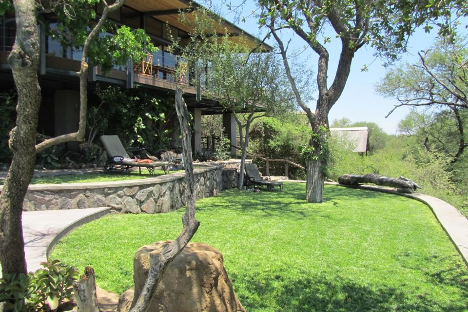 Lodge lawn1