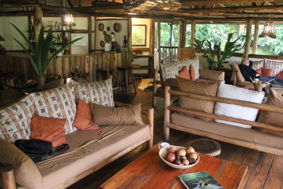 Buhoma lounge