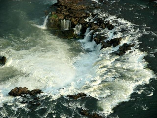 Liuwa waterfall