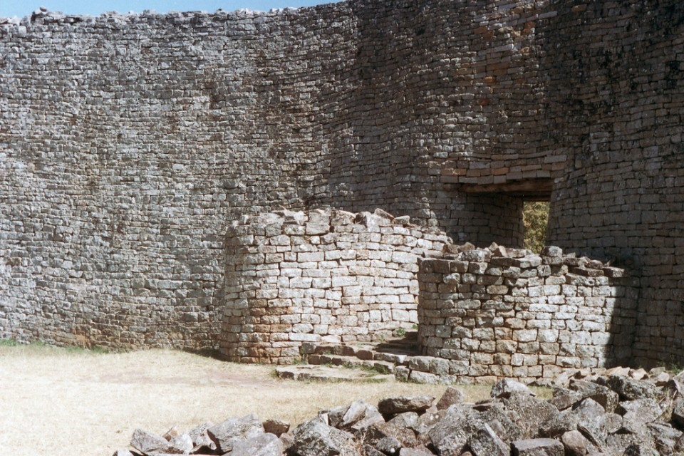 Great Zimbabwe Ruins  by damien_farrell