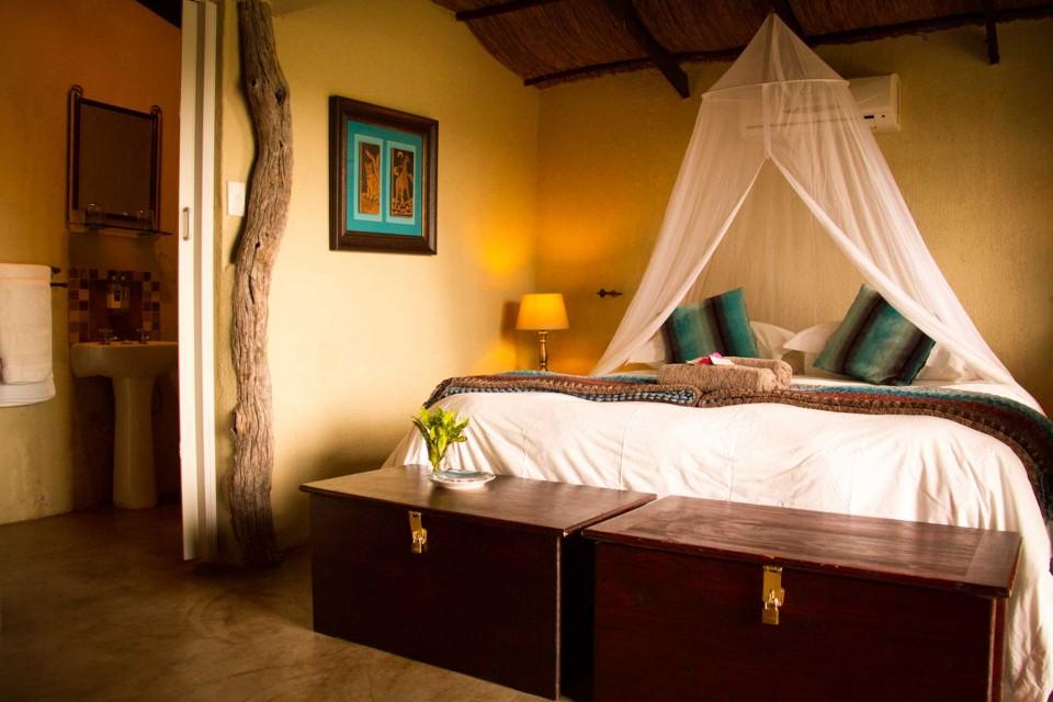 Umkumbe lodge room