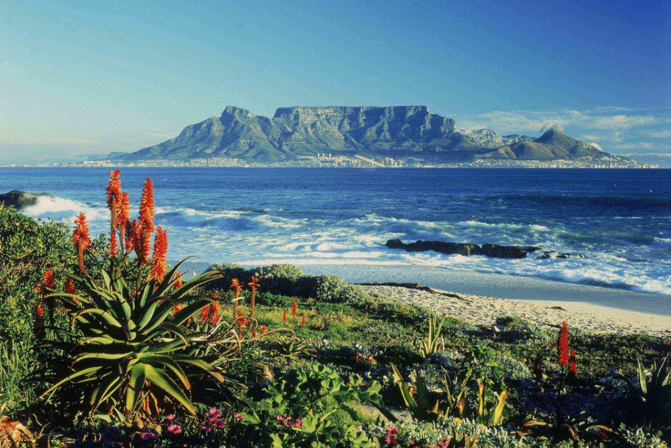 Distant view of Cape Town and Table Mountain  by SA Tourism