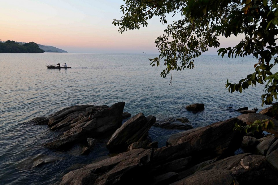 Lake Malawi  by Geoff Gallice